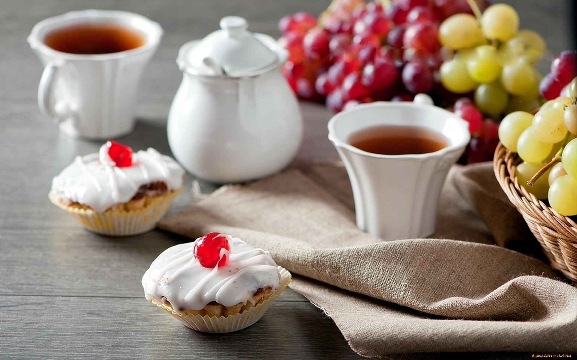 Картинки чашка чая с пирожными фото